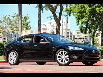 2013 Tesla Model S Performance P85 Sedan
