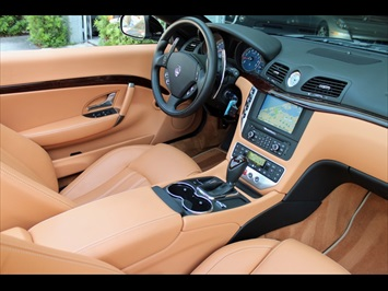 2010 Maserati Gran Turismo Convertible - Photo 2 - Miami, FL 33162