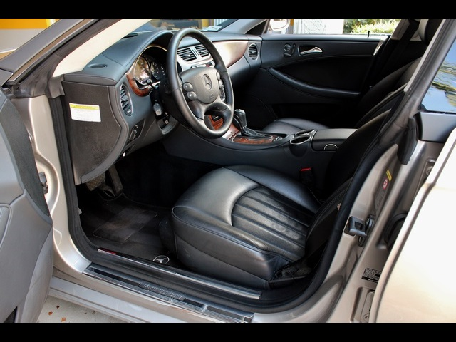 2006 Mercedes-Benz CLS500 - Photo 14 - Miami, FL 33162