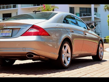 2006 Mercedes-Benz CLS500 - Photo 13 - Miami, FL 33162