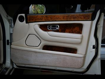 1999 Rolls-Royce Silver Seraph - Photo 32 - Miami, FL 33180