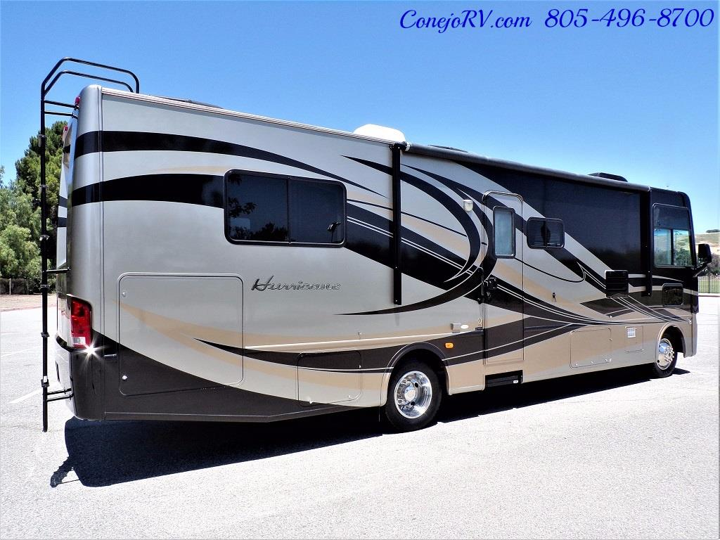 2012 Thor Hurricane 31J Full Body Paint Loft Bed 13k Miles - Photo 4 - Thousand Oaks, CA 91360