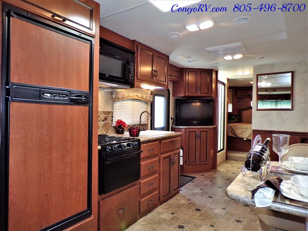 2012 Thor Hurricane 31J Full Body Paint Loft Bed 13k Miles - Photo 7 - Thousand Oaks, CA 91360