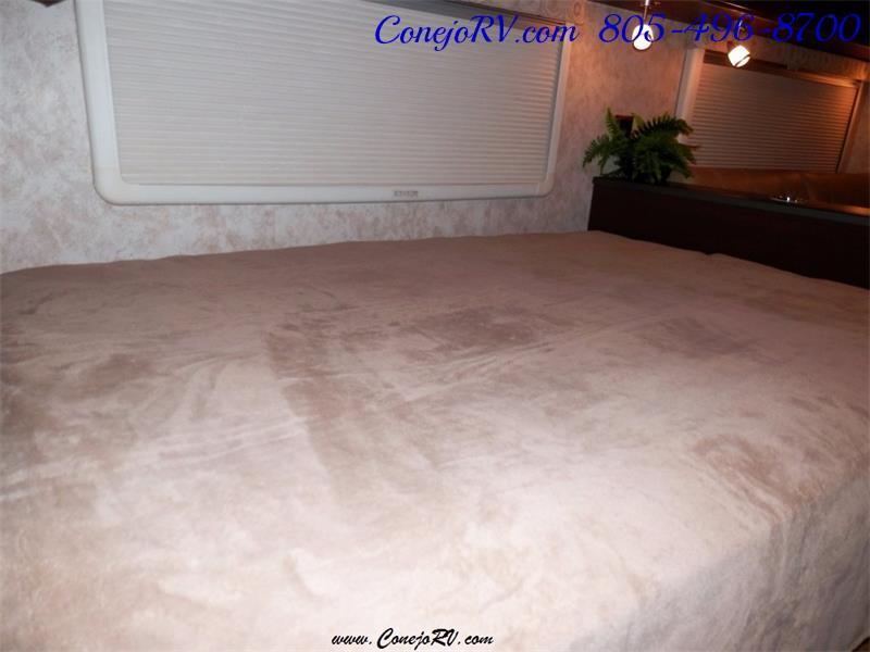 2010 Itasca Reyo 25R Full Wall Slide Full Body Paint Diesel - Photo 15 - Thousand Oaks, CA 91360