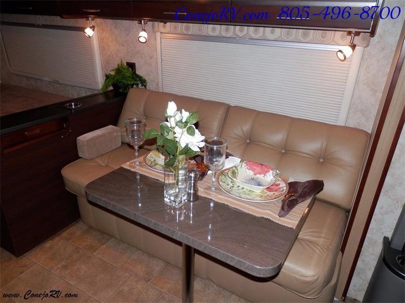 2010 Itasca Reyo 25R Full Wall Slide Full Body Paint Diesel - Photo 8 - Thousand Oaks, CA 91360