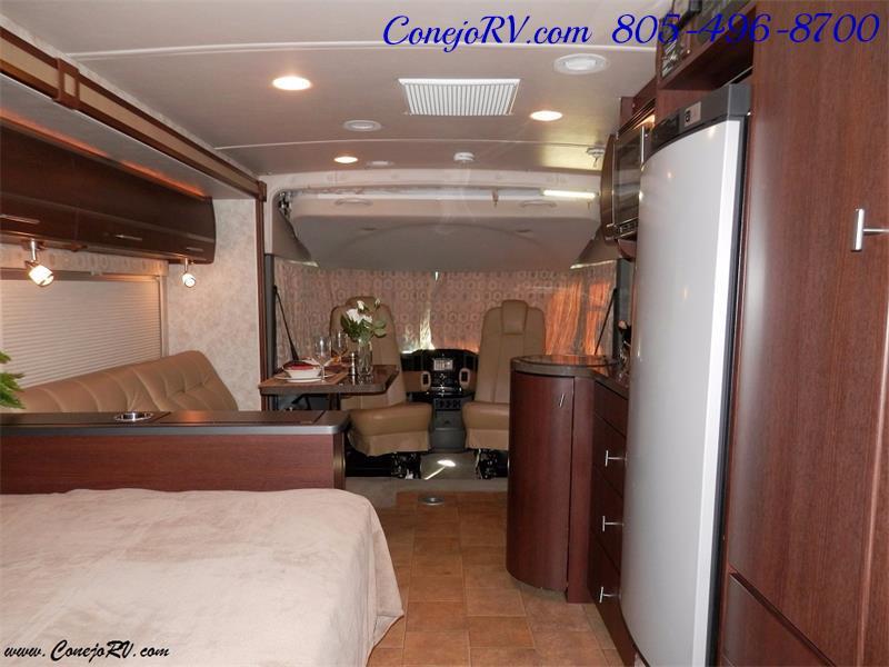 2010 Itasca Reyo 25R Full Wall Slide Full Body Paint Diesel - Photo 16 - Thousand Oaks, CA 91360