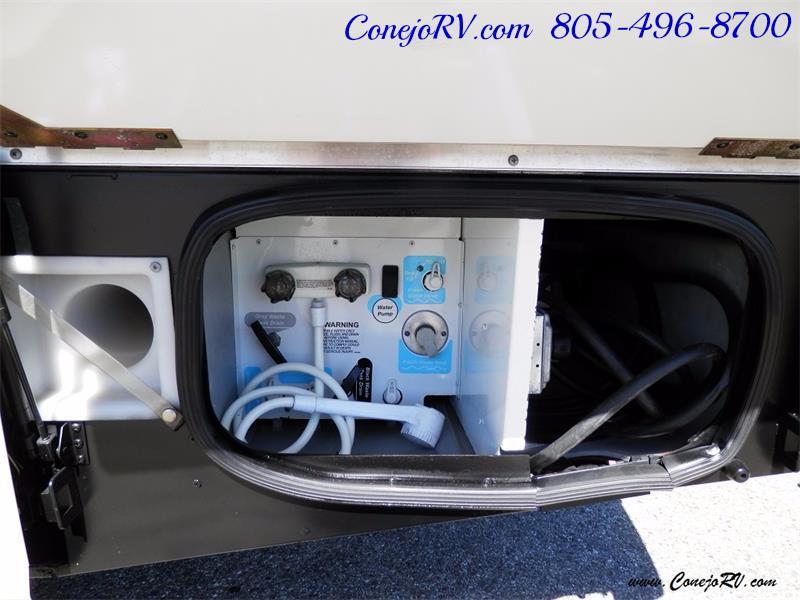 2010 Itasca Reyo 25R Full Wall Slide Full Body Paint Diesel - Photo 34 - Thousand Oaks, CA 91360