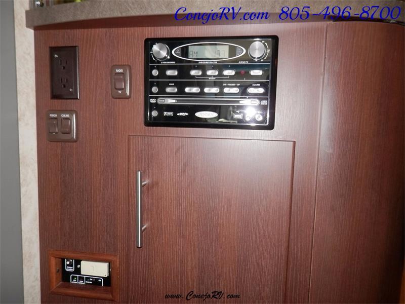 2010 Itasca Reyo 25R Full Wall Slide Full Body Paint Diesel - Photo 26 - Thousand Oaks, CA 91360