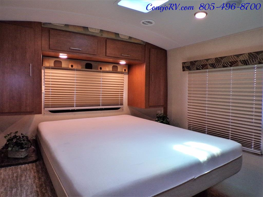2013 Keystone Vantage 25RBS Travel Trailer - Photo 20 - Thousand Oaks, CA 91360