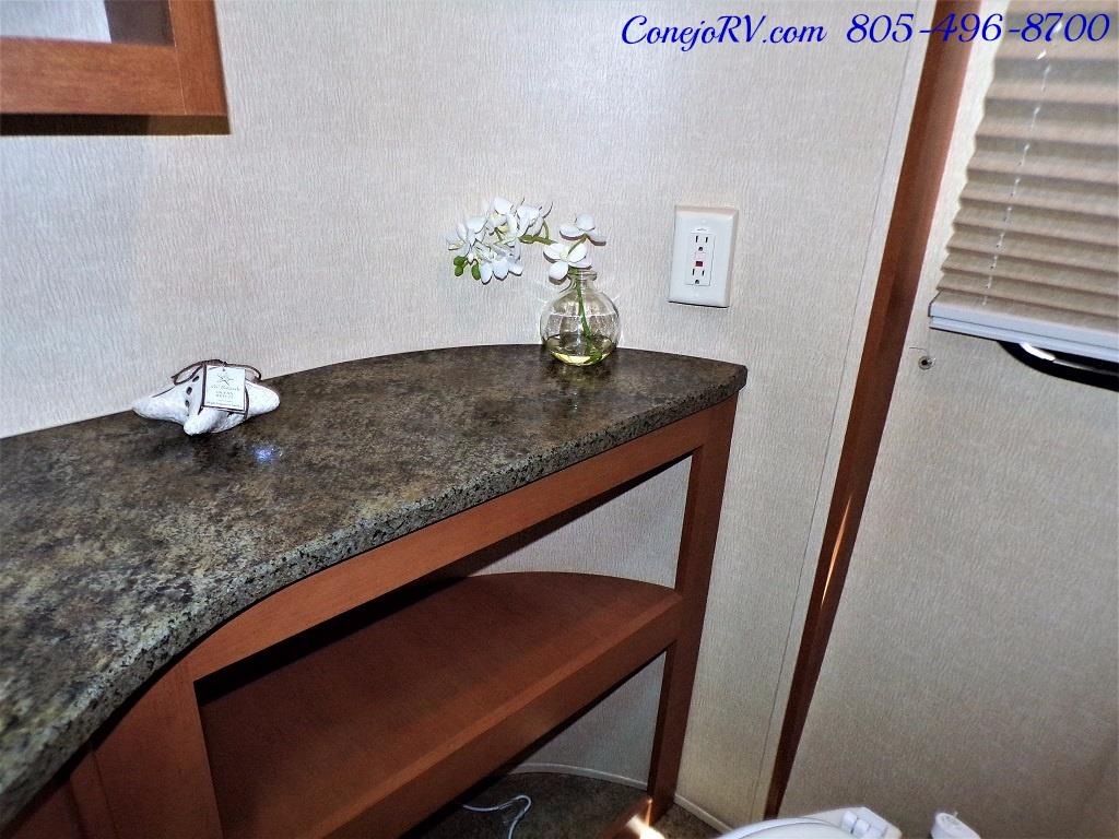 2013 Keystone Vantage 25RBS Travel Trailer - Photo 18 - Thousand Oaks, CA 91360