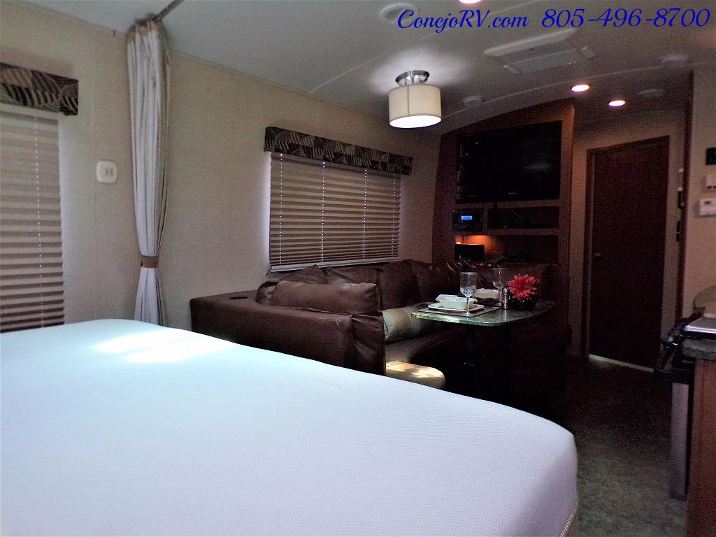 2013 Keystone Vantage 25RBS Travel Trailer - Photo 22 - Thousand Oaks, CA 91360