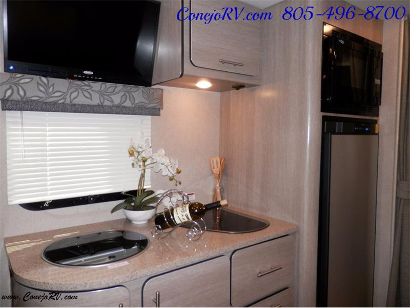 2016 Renegade RV Villagio LE 25RBS Slide-Out Full Body Paint Diesel - Photo 10 - Thousand Oaks, CA 91360
