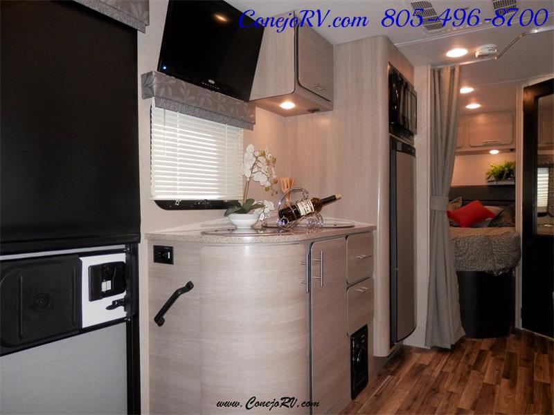 2016 Renegade RV Villagio LE 25RBS Slide-Out Full Body Paint Diesel - Photo 7 - Thousand Oaks, CA 91360