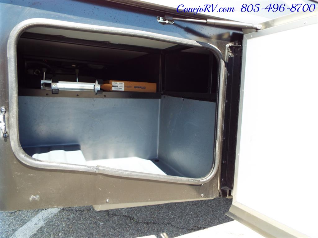 2017 Fleetwood Bounder LX 35P Quad Slide-Out Big Chassis King Bed - Photo 42 - Thousand Oaks, CA 91360