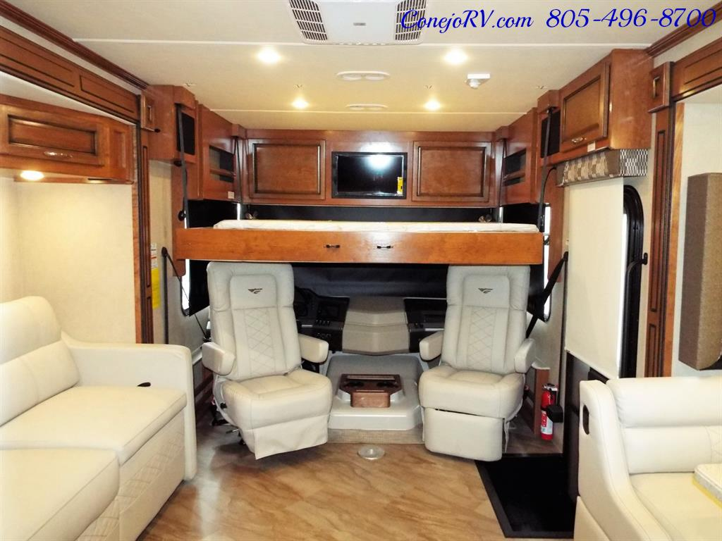 2017 Fleetwood Bounder LX 35P Quad Slide-Out Big Chassis King Bed - Photo 32 - Thousand Oaks, CA 91360