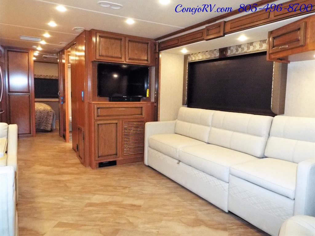 2017 Fleetwood Bounder LX 35P Quad Slide-Out Big Chassis King Bed - Photo 8 - Thousand Oaks, CA 91360