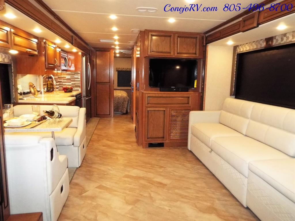 2017 Fleetwood Bounder LX 35P Quad Slide-Out Big Chassis King Bed - Photo 7 - Thousand Oaks, CA 91360
