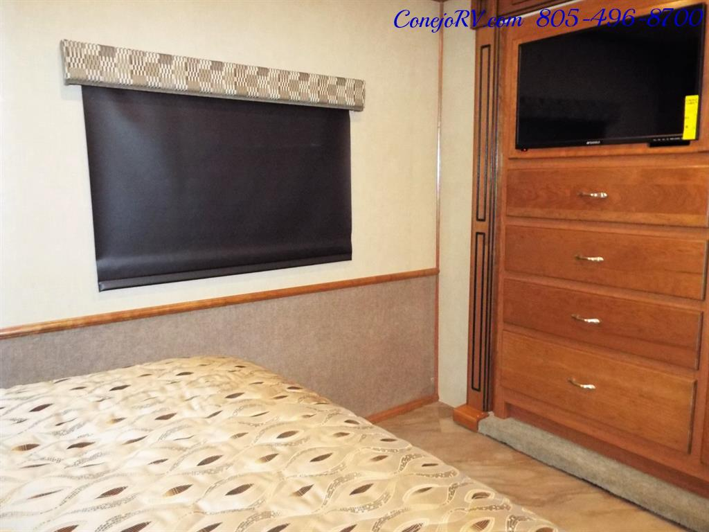 2017 Fleetwood Bounder LX 35P Quad Slide-Out Big Chassis King Bed - Photo 25 - Thousand Oaks, CA 91360