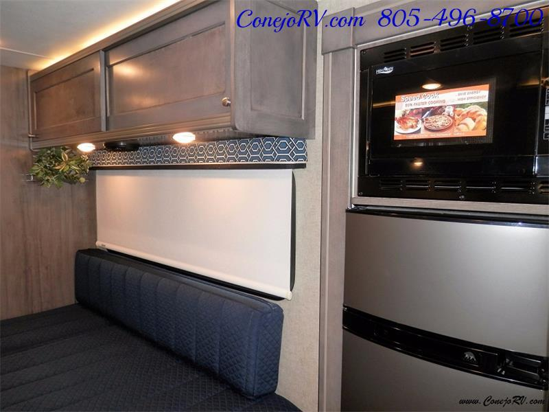 2017 Winnebago Fuse 23A Slide-Out Power Stroke Turbo Diesel - Photo 15 - Thousand Oaks, CA 91360