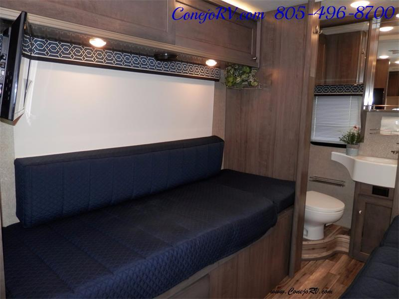 2017 Winnebago Fuse 23A Slide-Out Power Stroke Turbo Diesel - Photo 17 - Thousand Oaks, CA 91360