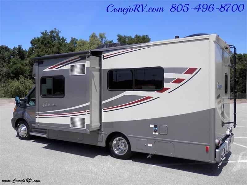 2017 Winnebago Fuse 23A Slide-Out Power Stroke Turbo Diesel - Photo 4 - Thousand Oaks, CA 91360