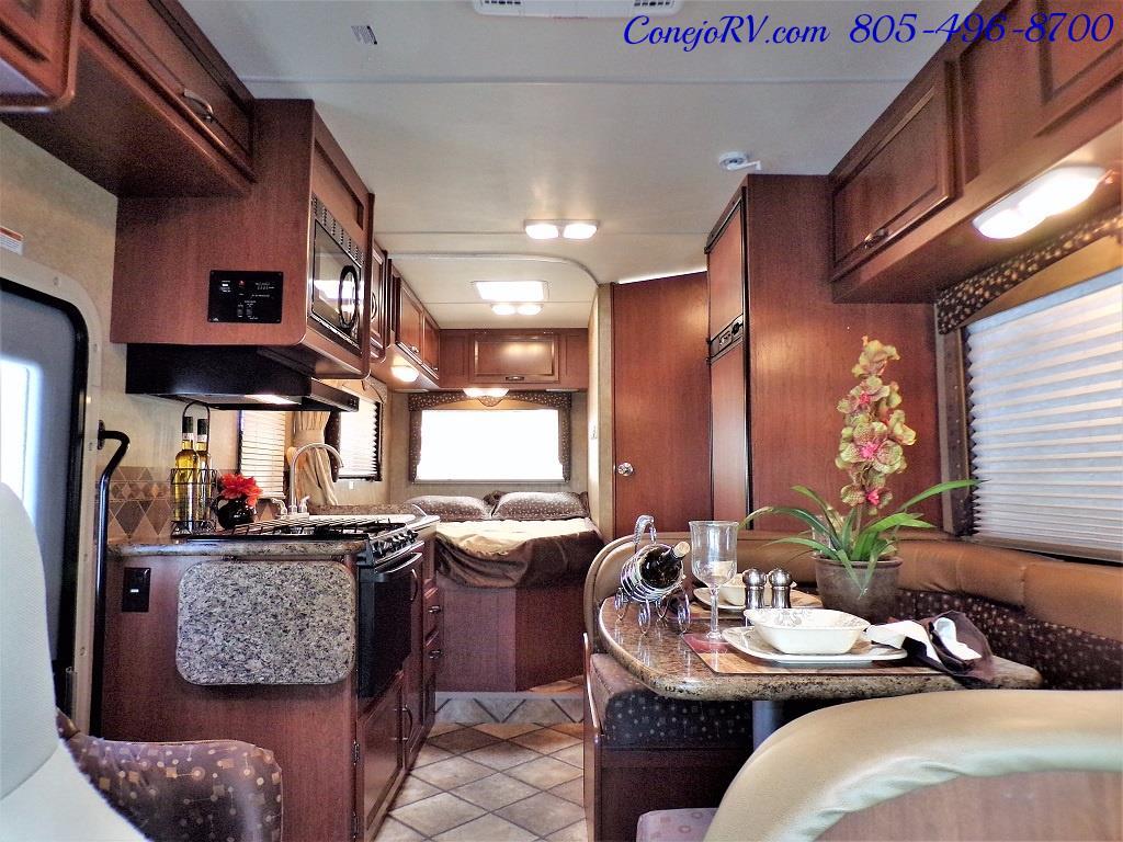 2015 Thor Freedom Elite 23H Class C 5k Miles - Photo 5 - Thousand Oaks, CA 91360