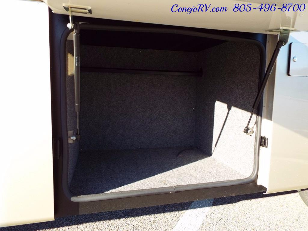 2005 Country Coach Inspire Davinci 40ft Quad-Slide Full Paint 400hp - Photo 45 - Thousand Oaks, CA 91360