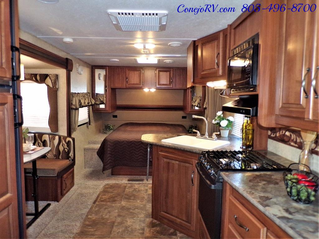 2014 Keystone Cougar 21RBS Slide Out Travel Trailer - Photo 5 - Thousand Oaks, CA 91360