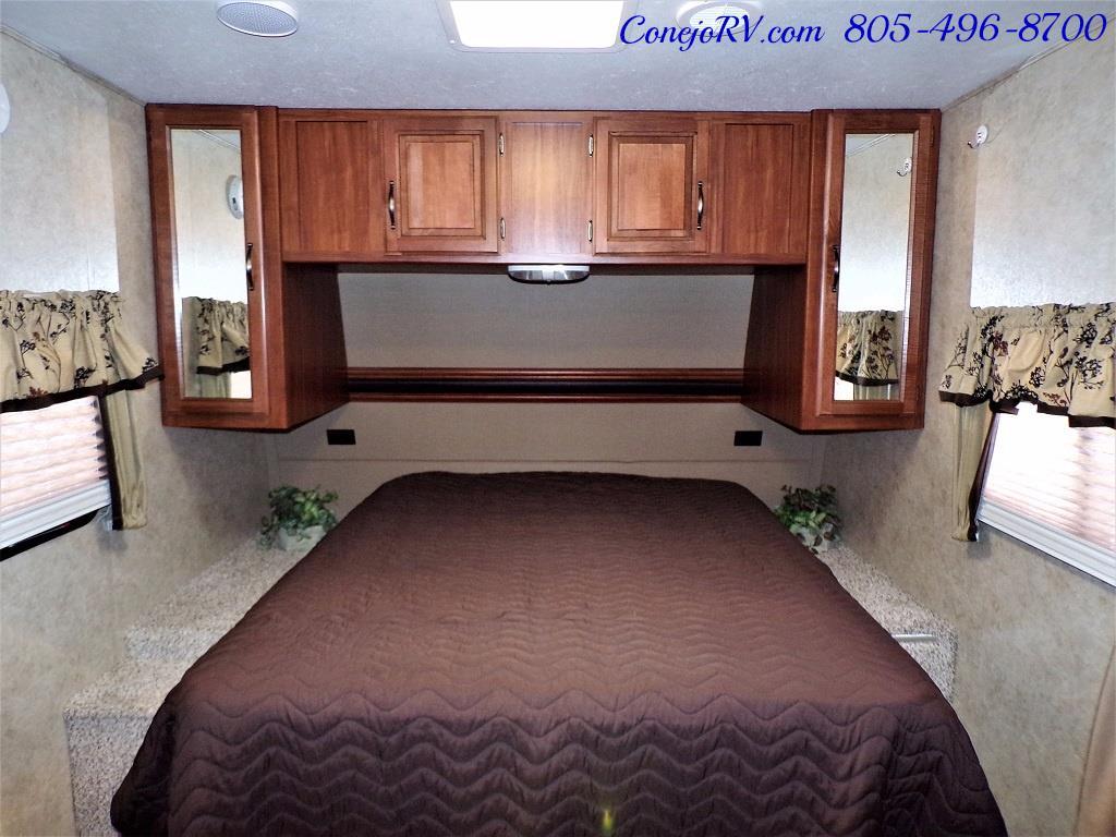 2014 Keystone Cougar 21RBS Slide Out Travel Trailer - Photo 17 - Thousand Oaks, CA 91360