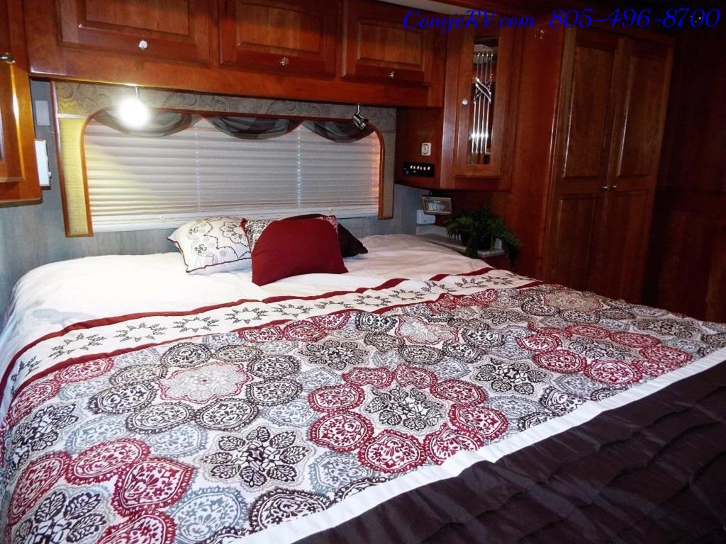 2005 Monaco Holiday Rambler Navigator 43PBQ Quad-Slide 515hp - Photo 30 - Thousand Oaks, CA 91360