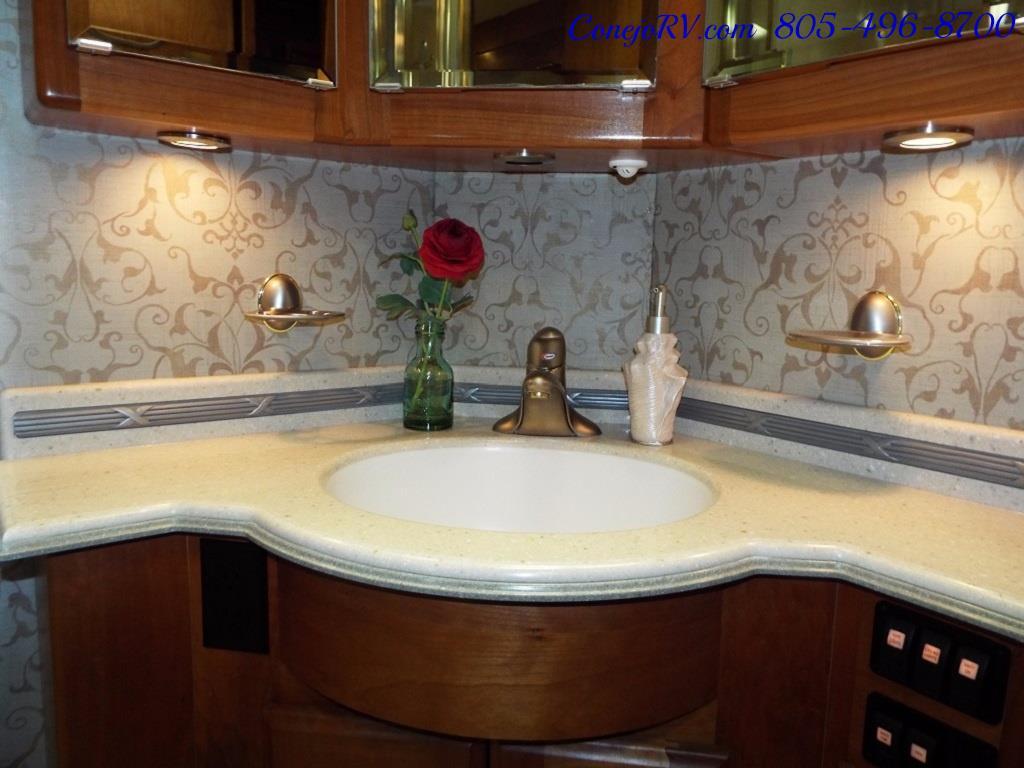 2005 Monaco Holiday Rambler Navigator 43PBQ Quad-Slide 515hp - Photo 25 - Thousand Oaks, CA 91360