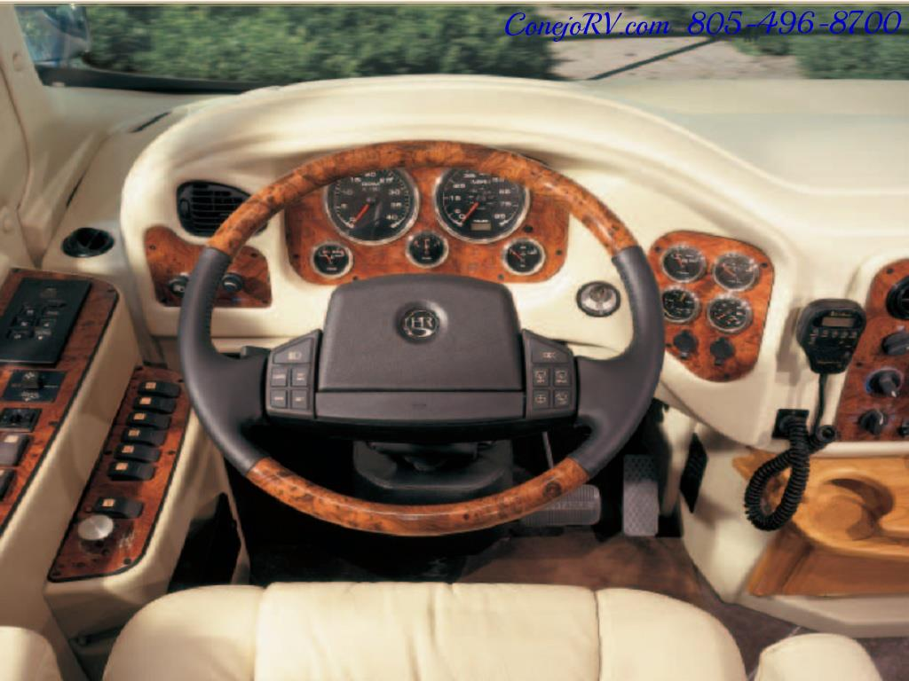 2005 Monaco Holiday Rambler Navigator 43PBQ Quad-Slide 515hp - Photo 46 - Thousand Oaks, CA 91360