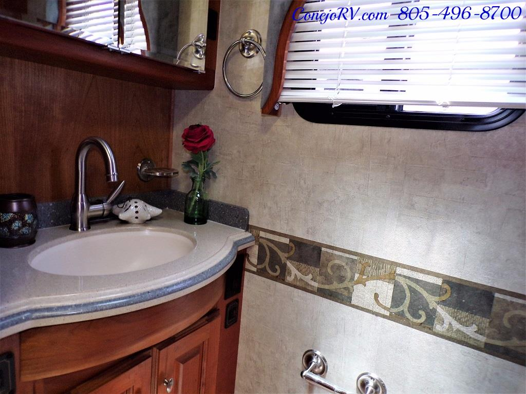 2005 Monaco Holiday Rambler Scepter 38PDQ 400hp 27k Miles - Photo 17 - Thousand Oaks, CA 91360