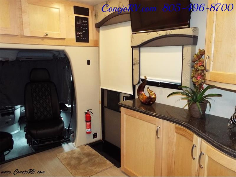 2017 Renegade RV Vienna 25MBS MURPHY BED Slide-Out Full Body Paint - Photo 22 - Thousand Oaks, CA 91360
