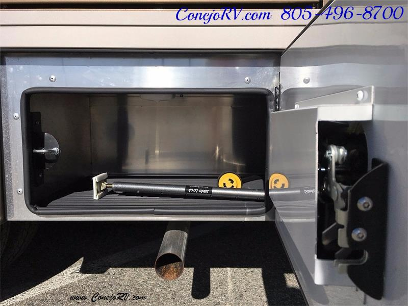 2017 Renegade RV Vienna 25MBS MURPHY BED Slide-Out Full Body Paint - Photo 30 - Thousand Oaks, CA 91360