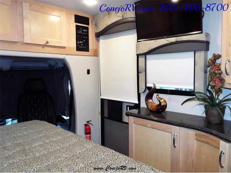 2017 Renegade RV Vienna 25MBS MURPHY BED Slide-Out Full Body Paint - Photo 25 - Thousand Oaks, CA 91360