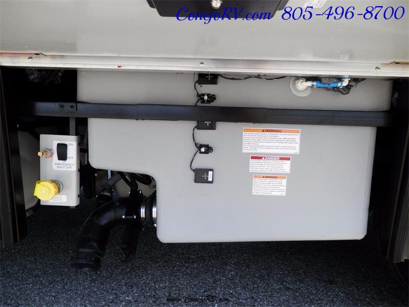 2017 Winnebago Itasca Navion 24V Slide-Out Full Body Paint Diesel - Photo 33 - Thousand Oaks, CA 91360