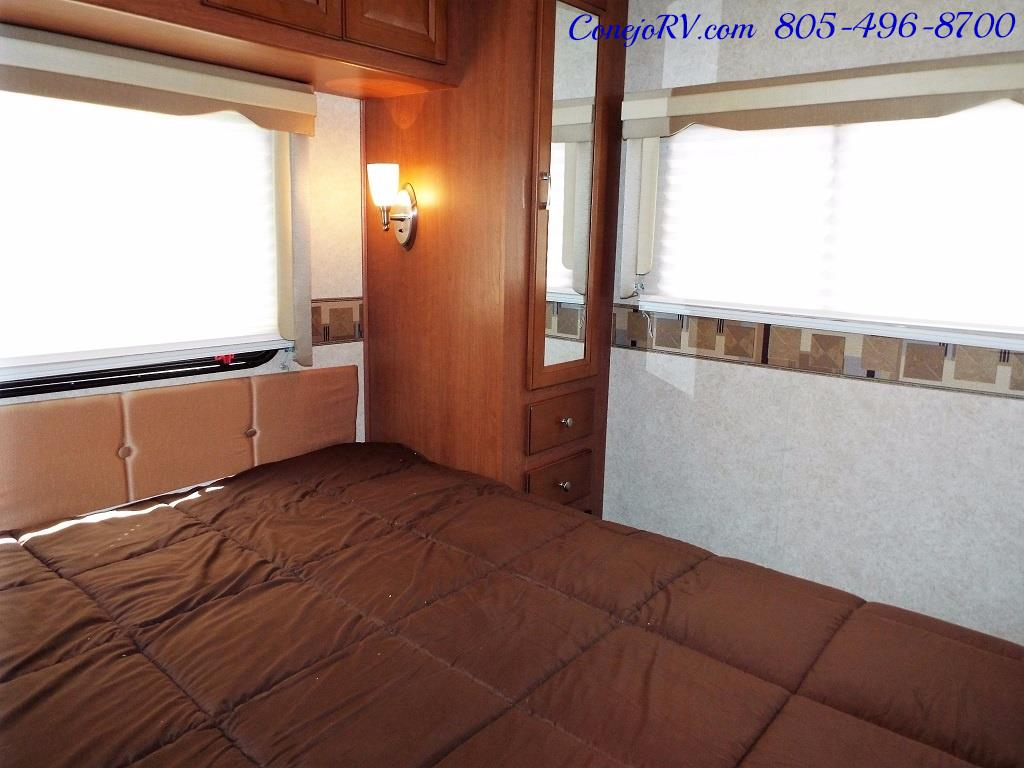 2012 Forest River Georgetown 34ft Double Front-Slides - Photo 20 - Thousand Oaks, CA 91360
