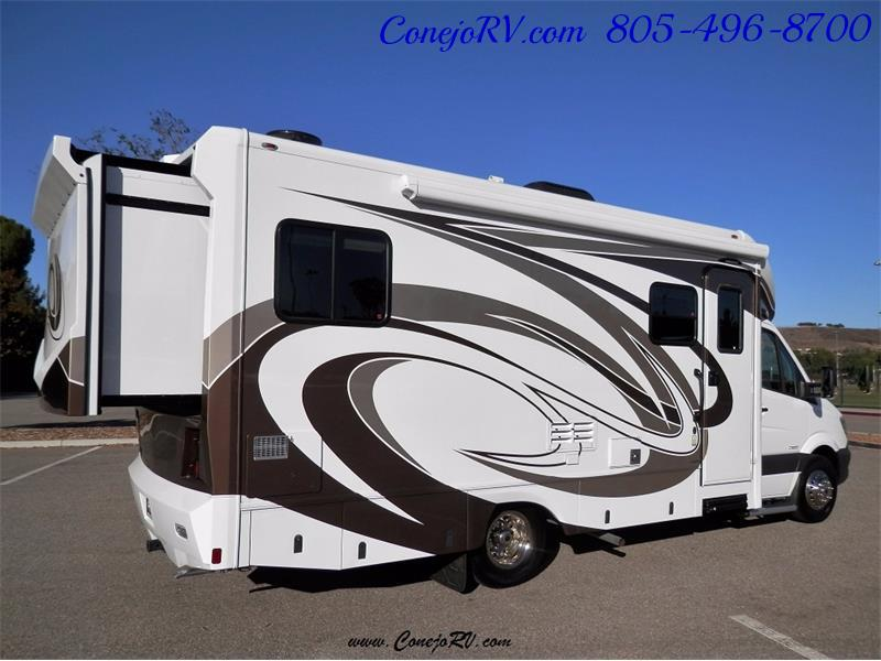 2016 Renegade RV Villagio 25QRS 2-Slide-Out Full Body Paint Diesel - Photo 4 - Thousand Oaks, CA 91360