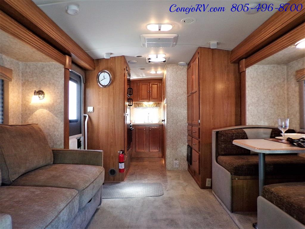 2007 Holiday Rambler Augusta 252DS HYDRAULIC LEVELERS Double Slide - Photo 5 - Thousand Oaks, CA 91360