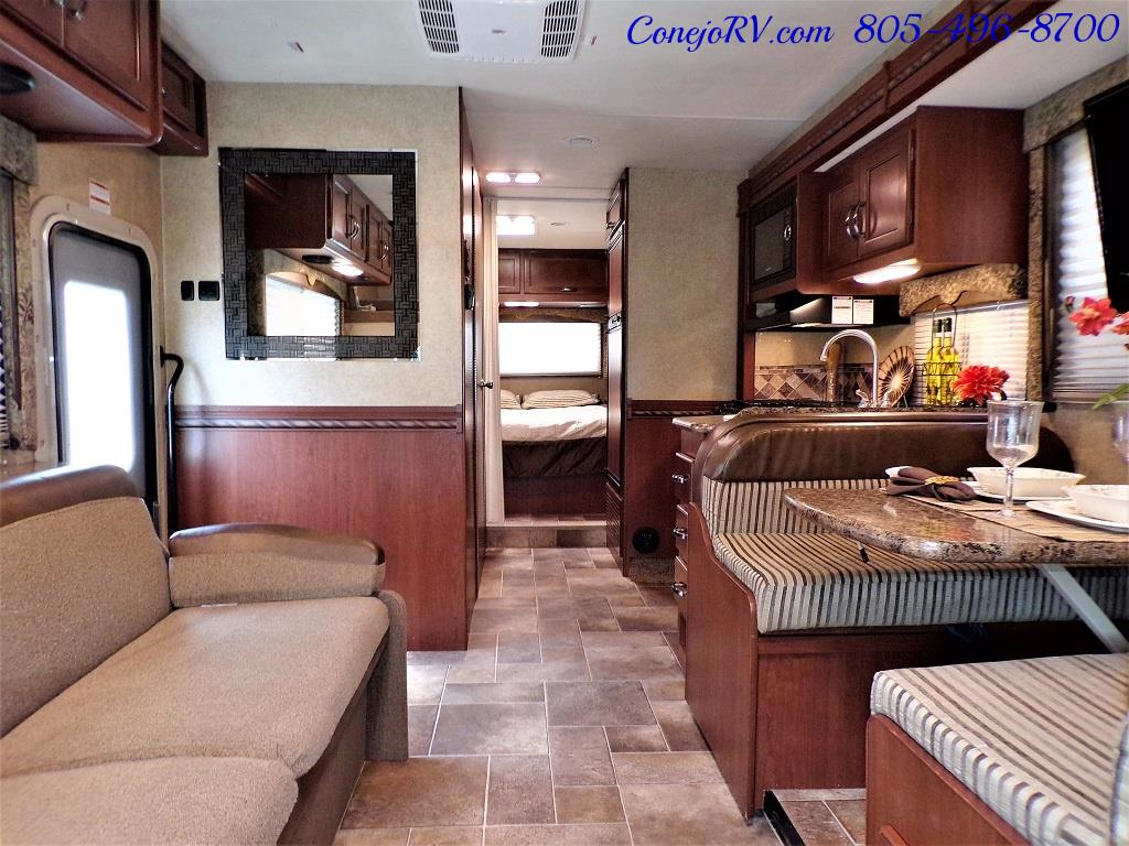 2016 Thor Freedom Elite 28H Class C Slide Out 11K Miles - Photo 5 - Thousand Oaks, CA 91360