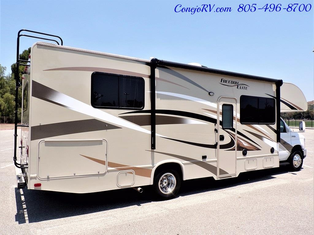 2016 Thor Freedom Elite 28H Class C Slide Out 11K Miles - Photo 4 - Thousand Oaks, CA 91360
