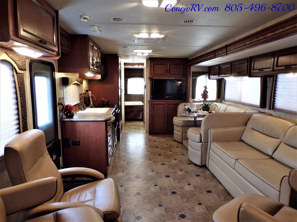 2012 Thor Hurricane 32A Full Body Paint 15k Miles - Photo 5 - Thousand Oaks, CA 91360