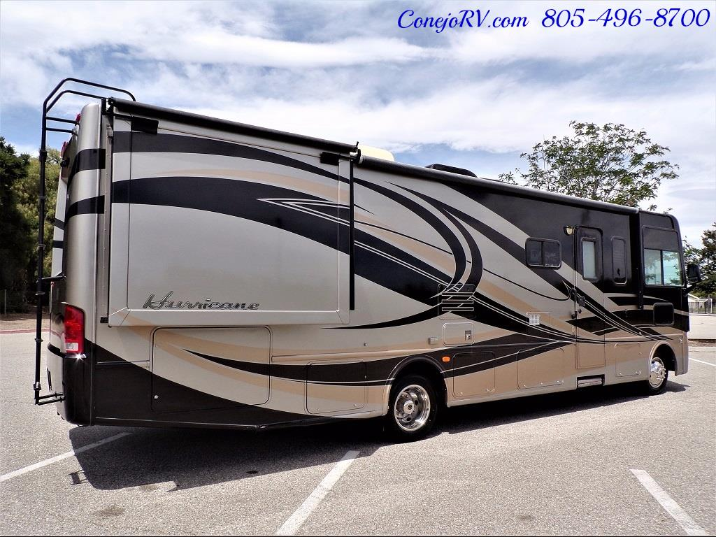 2012 Thor Hurricane 32A Full Body Paint 15k Miles - Photo 4 - Thousand Oaks, CA 91360