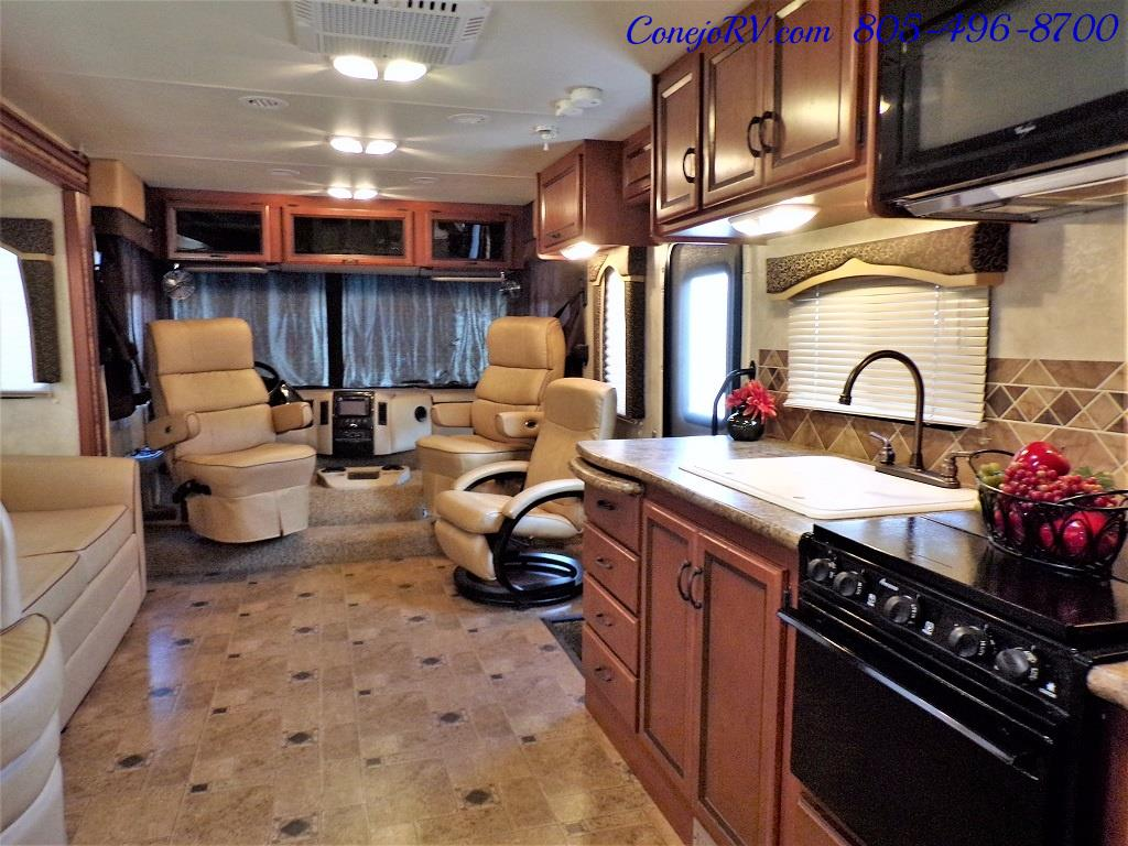 2012 Thor Hurricane 32A Full Body Paint 15k Miles - Photo 26 - Thousand Oaks, CA 91360