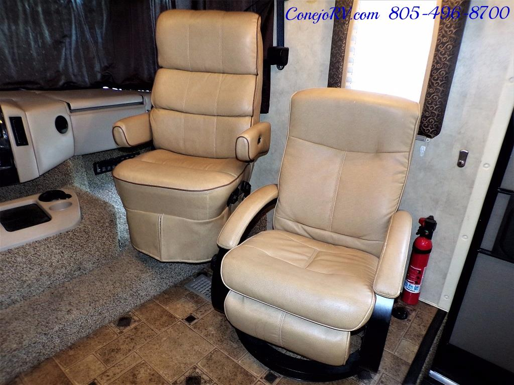 2012 Thor Hurricane 32A Full Body Paint 15k Miles - Photo 15 - Thousand Oaks, CA 91360