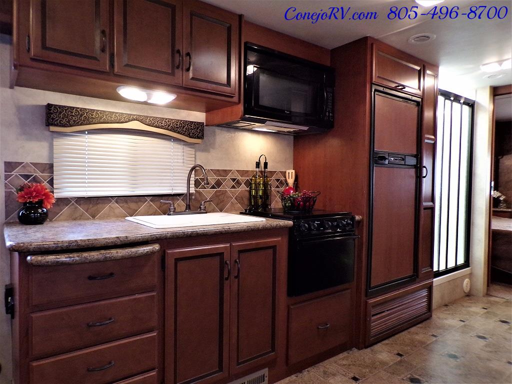 2012 Thor Hurricane 32A Full Body Paint 15k Miles - Photo 14 - Thousand Oaks, CA 91360