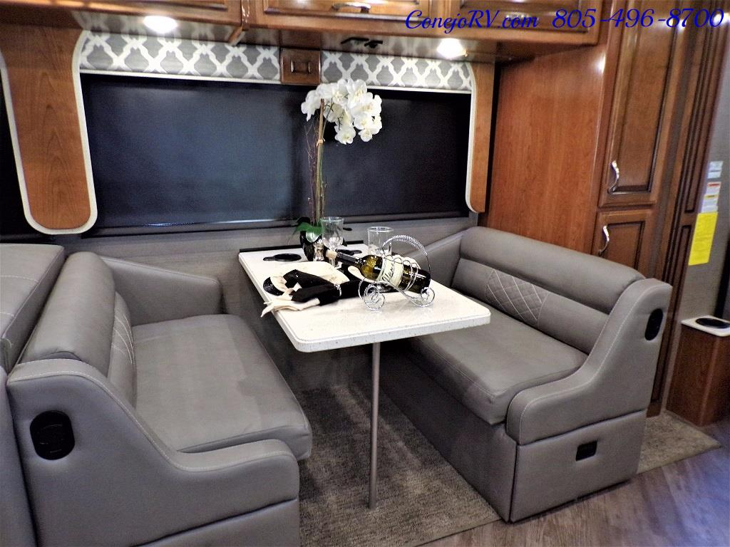 2018 Fleetwood Bounder LX 35K Bath and Half King Bed - Photo 11 - Thousand Oaks, CA 91360