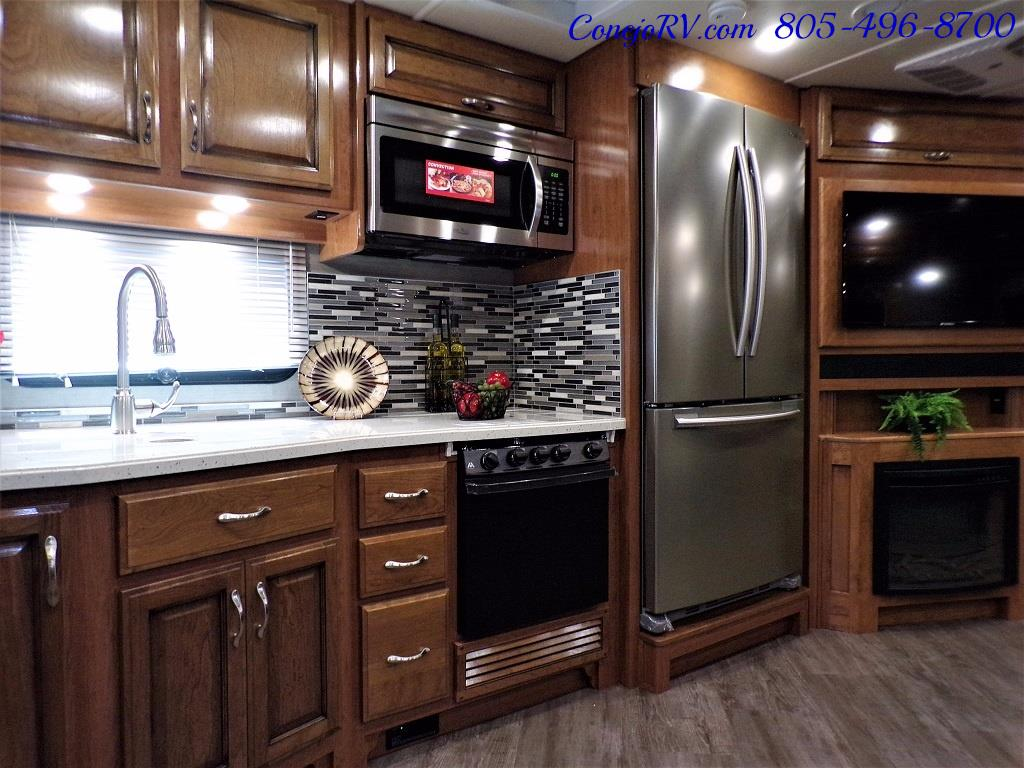 2018 Fleetwood Bounder LX 35K Bath and Half King Bed - Photo 17 - Thousand Oaks, CA 91360