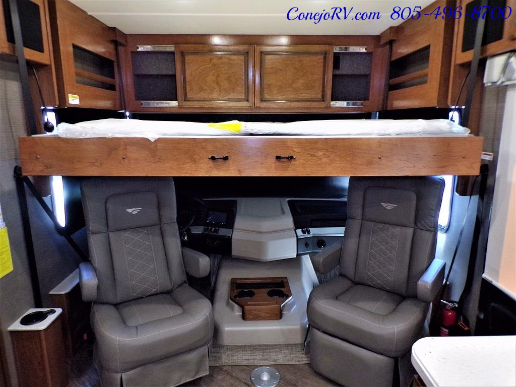 2018 Fleetwood Bounder LX 35K Bath and Half King Bed - Photo 32 - Thousand Oaks, CA 91360
